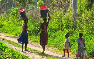 Accès à l'eau et santé des femmes étroitement liés en Afrique